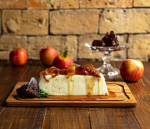 Terrine de Queijo de Cabra com compota de maçã e figo